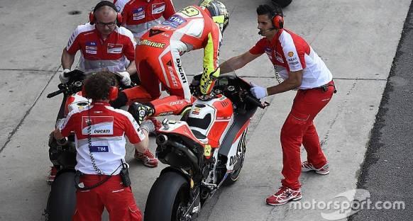 Bautista kazası sonrası Marquez ve Rossi pit hızının düşürülmesini destekliyor