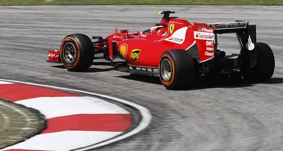 Mercedes çifti Ferrari'nin performansından etkilendi