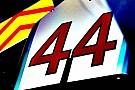 Lewis Hamilton 44 numara ile devam edecek
