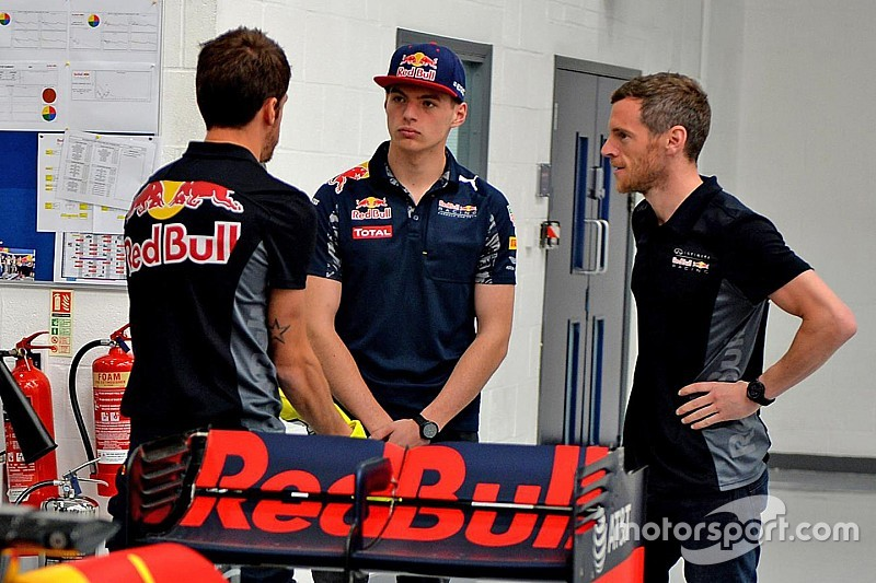 """Verstappen: """"Non ho mai pensato di lasciare la Red Bull"""""""