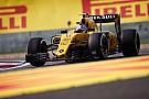 Renault probeert B-spec motor uit tijdens test in Barcelona
