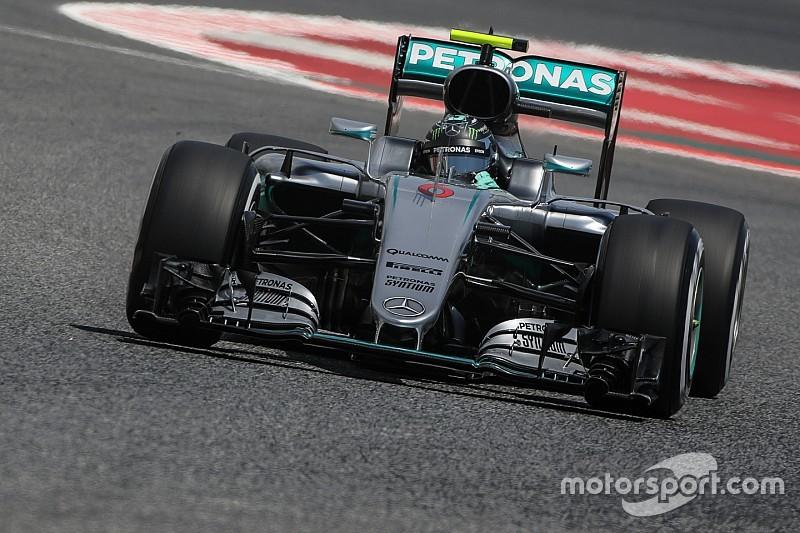 Formel 1 in Barcelona: Ferrari ist dran an Mercedes im 3. Training