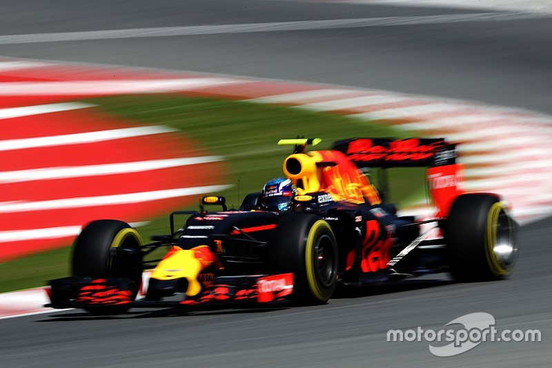 Mercedes kaputt in Spagna, Verstappen è il più giovane vincitore!