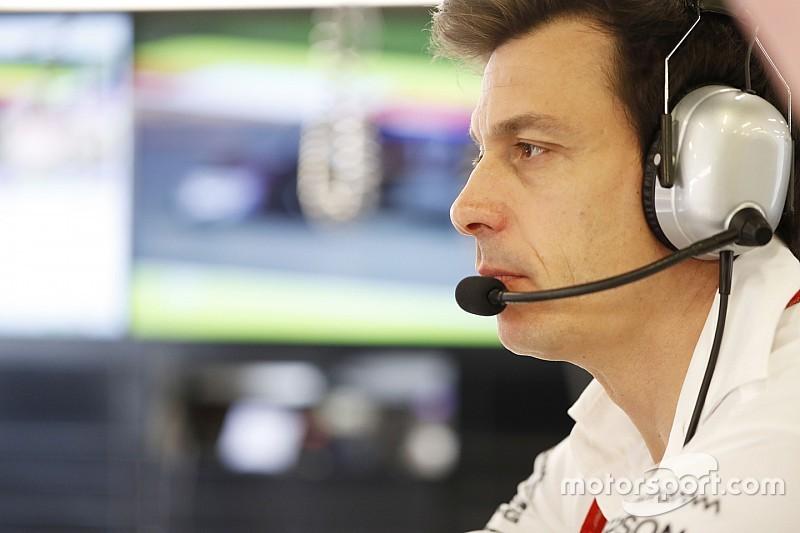 """Вольф не нашел """"однозначно виновного"""" в аварии пилотов Mercedes"""
