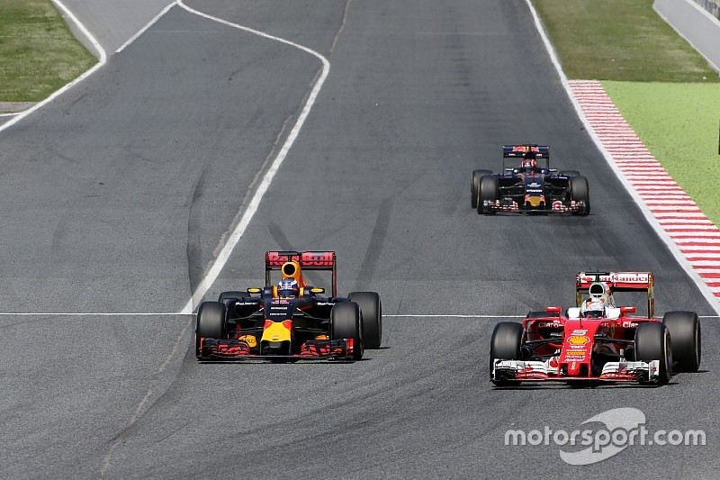 """Ricciardo begrijpt er niets van: """"De winst lag voor het oprapen"""""""
