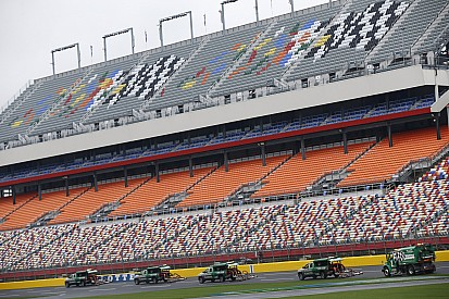 Se suspende calificación de All-Star Race de NASCAR por lluvia