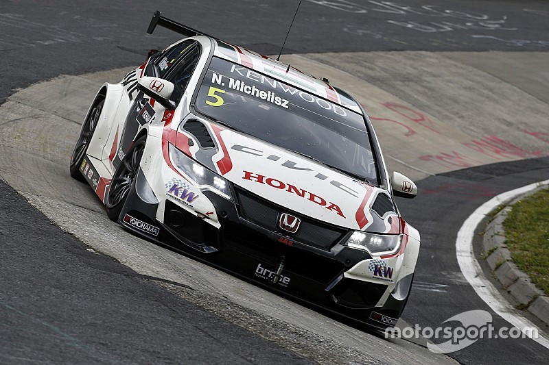 Honda doorstaat technische controle op de Nürburgring