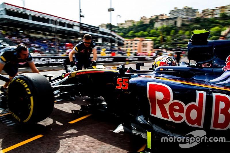 Сайнс посетовал на недостаточно быстрые пит-стопы Toro Rosso