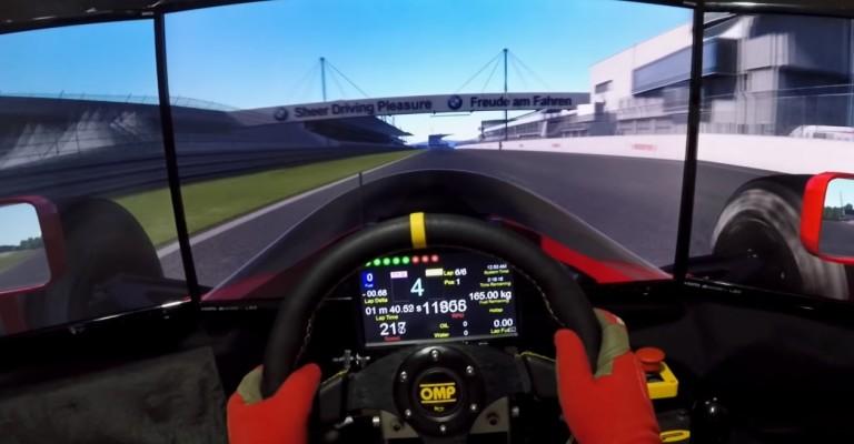 Mintha valóban ott lennél: szimulátorral egy Ferrari 641 volánja mögött