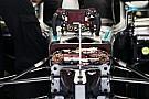 Tekerőkapcsolók fura esete: Rosbergnek a 4-es kanyarig kellett volna bírnia, Hamiltonnak pedig előznie