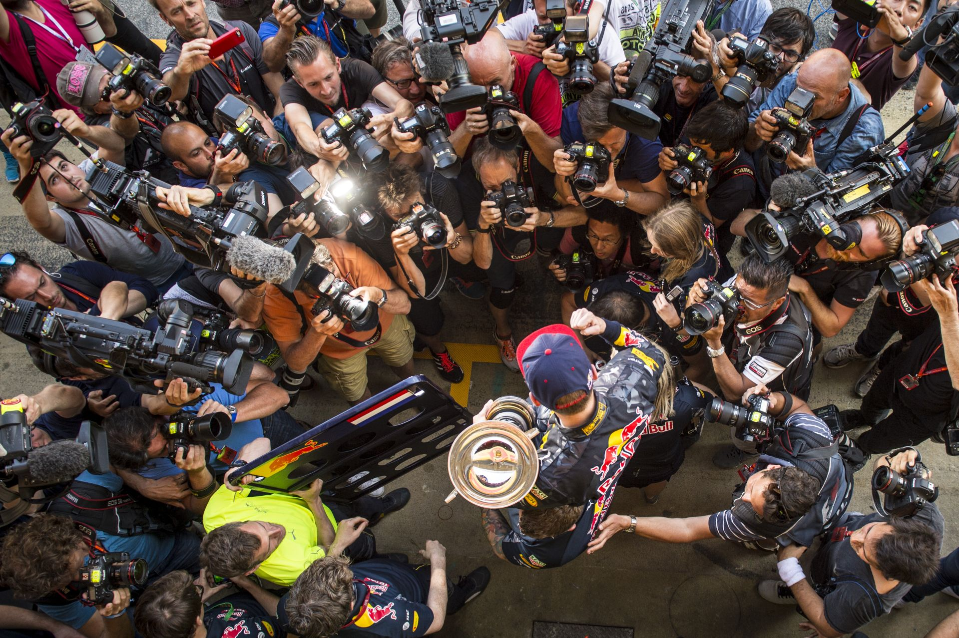 Verstappen bebetonozta magát az F1 világába, követve Vettel útját