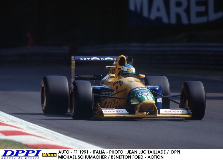 Eladó Michael Schumacher legendás F1-es versenygépe