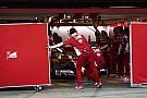 8. fokozatban ragadt váltó, vibrációk a motornál, azaz technikai gondok a Ferrarinál