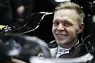 A Renault kimondta, amit sejthettünk: Magnussen az első számú versenyzőjük!