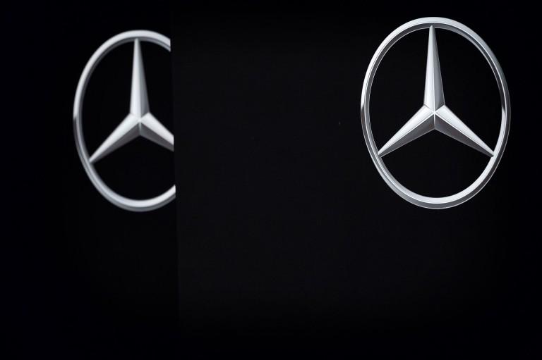 Senkinek sem jó, ha ismét a Mercedes végez a dobogón, leszámítva őket