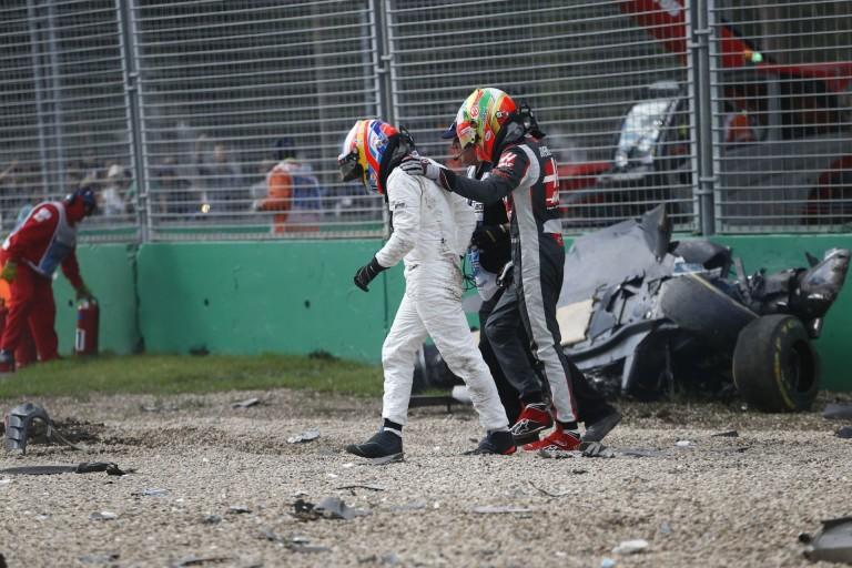 Alonso édesanyja semmit sem látott a balesetből, éppen reggeliztek otthon