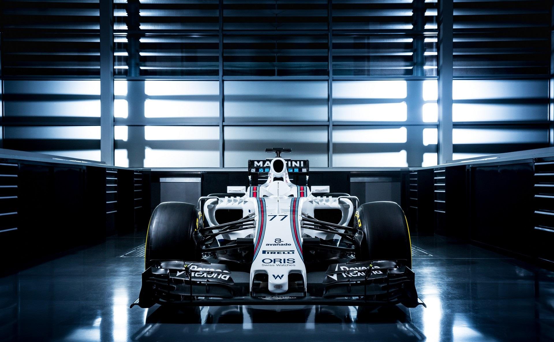 Kémfotókon a Williams FW38: pályán a 2016-os gép