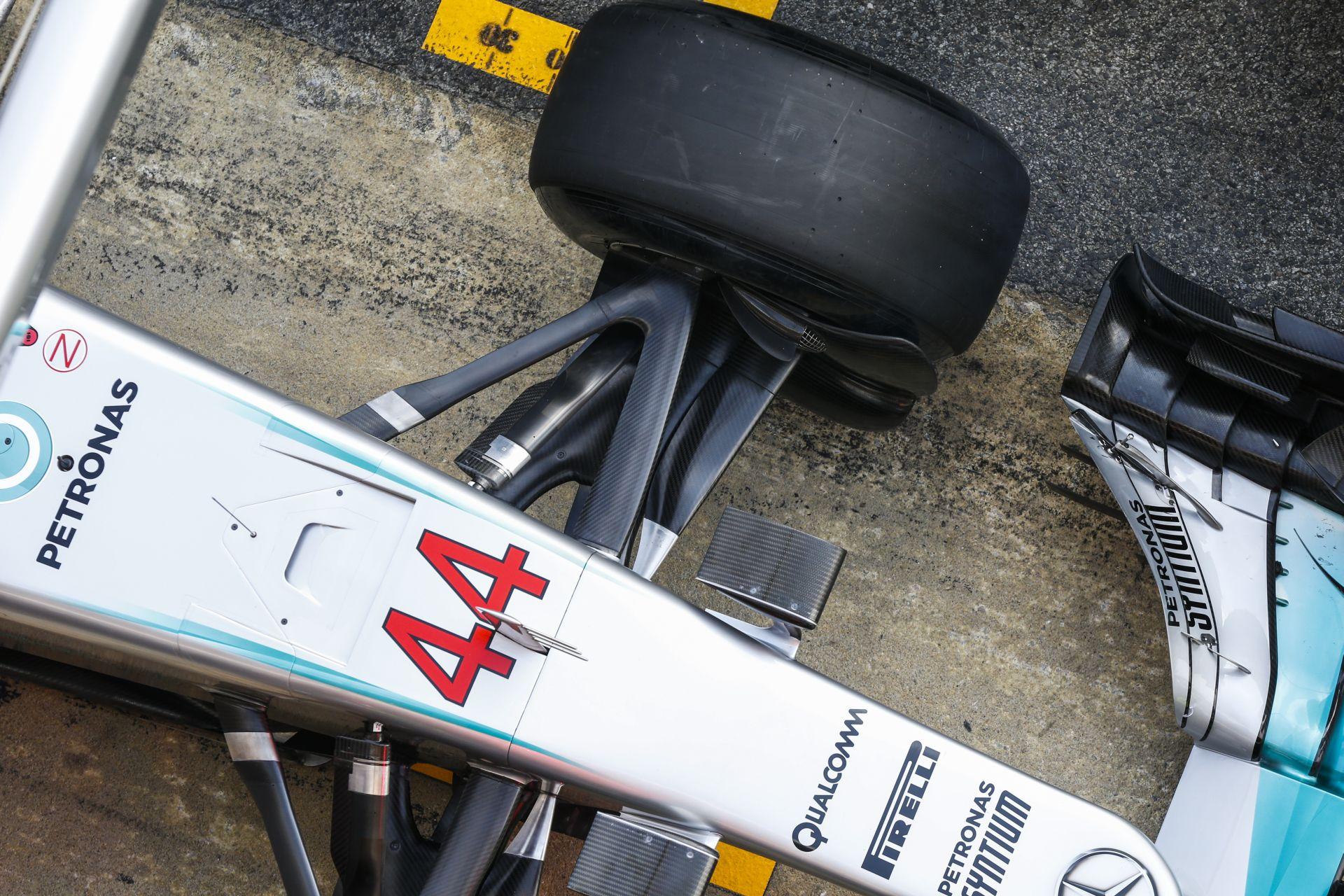 Egészen brutális számok a Mercedesnél: több mint 3100 kilométert teszteltek Barcelonában