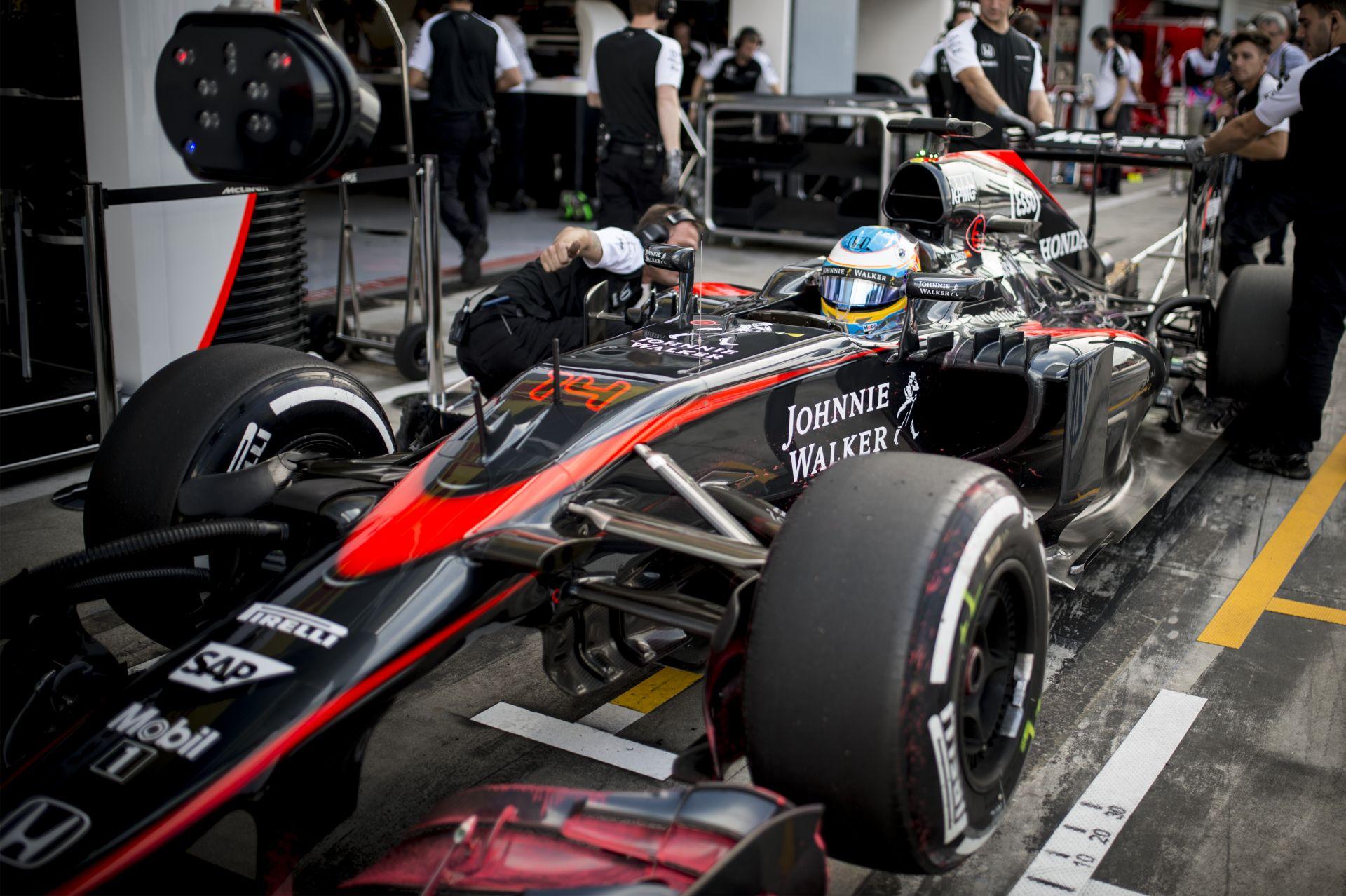 A McLaren-Honda erősebb lesz, mint Chuck Norris? Irány az élmezőny!