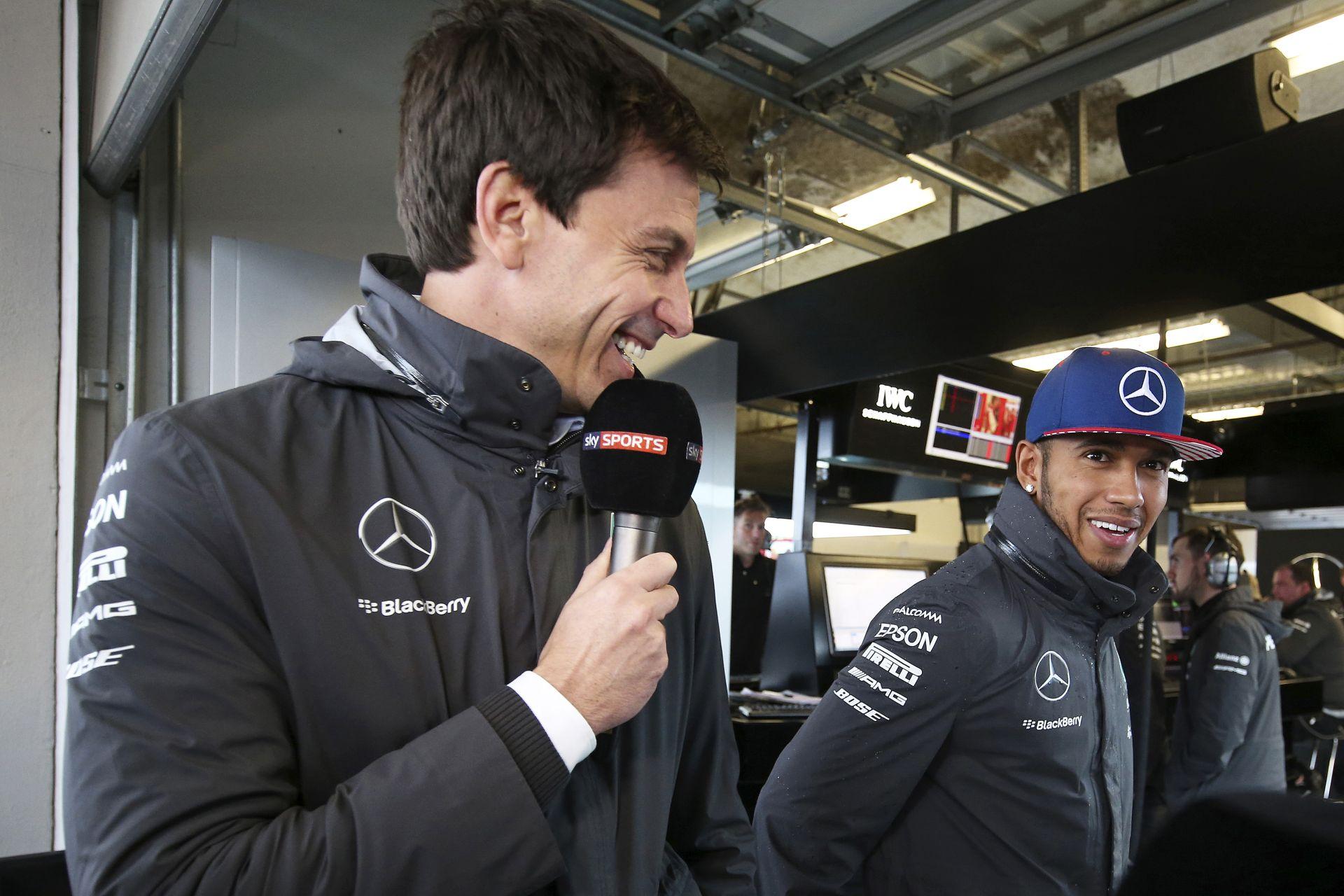 A Mercedes megérti, hogy Hamilton kérdőre vonta őket: versenyzők, nem robotok