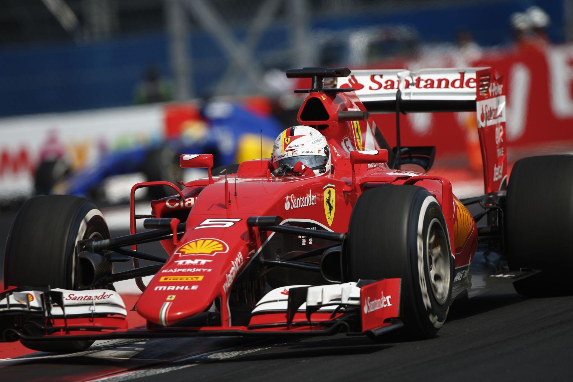 """Vettel végre megszabadulna a """"gyengébbik fél"""" jelzőtől!"""