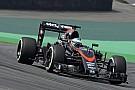 Alonso újabb sisakot szerzett magának a Forma-1-ben