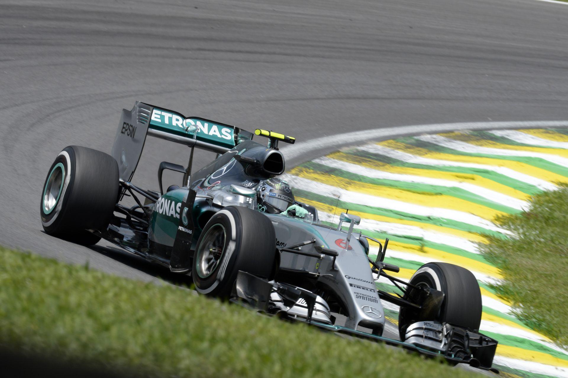 A két Mercedes ugyanolyan: jelen pillanatban Rosberg a jobb szombatonként!