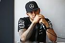 Végre kiderült: Hamilton teljesítménye Szingapúr miatt esett vissza! A Mercedes annyira már nem fekszik neki!