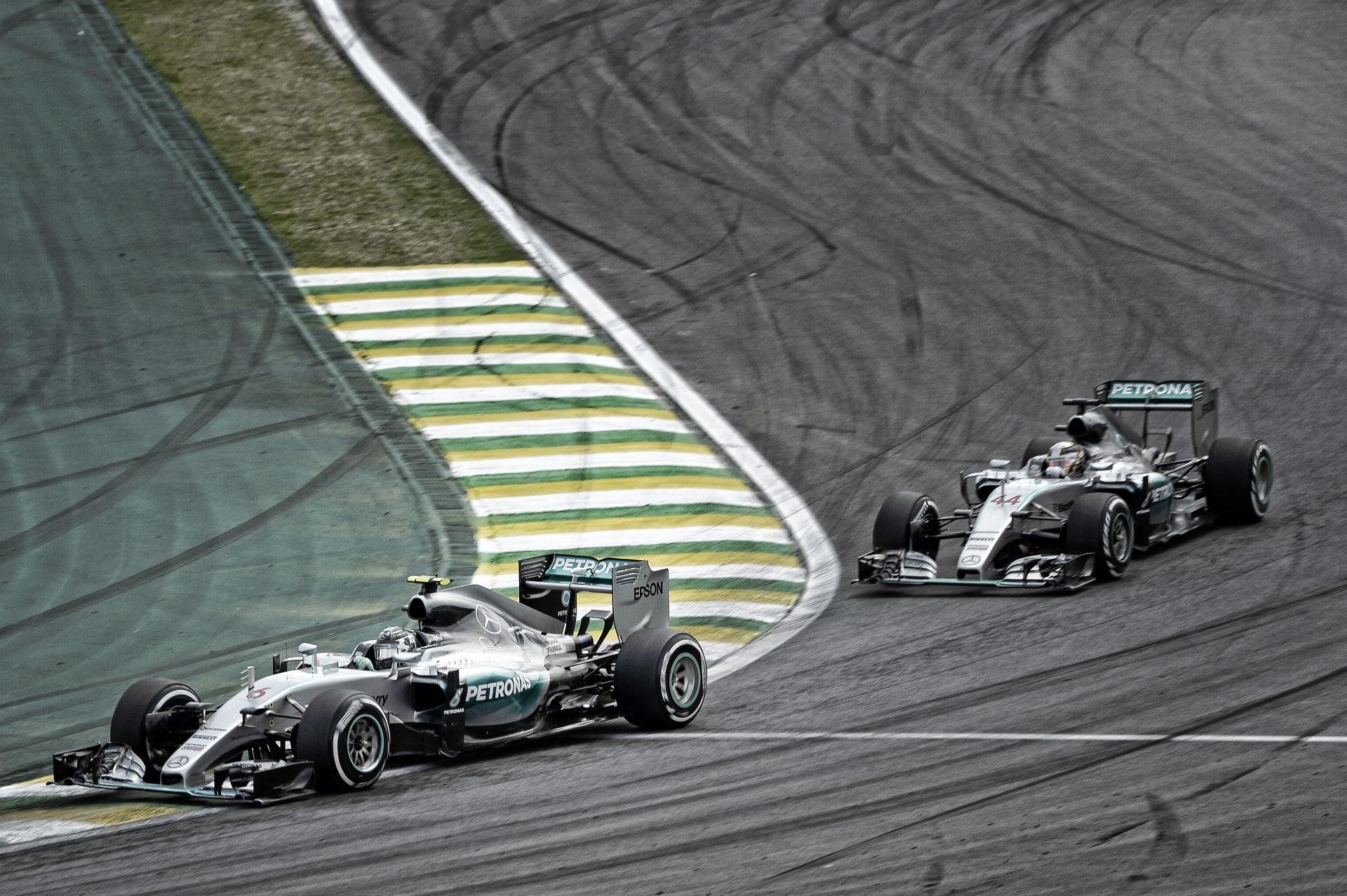 Rosberg előre szólt, hogy technikai hátrányban van Hamiltonnal szemben