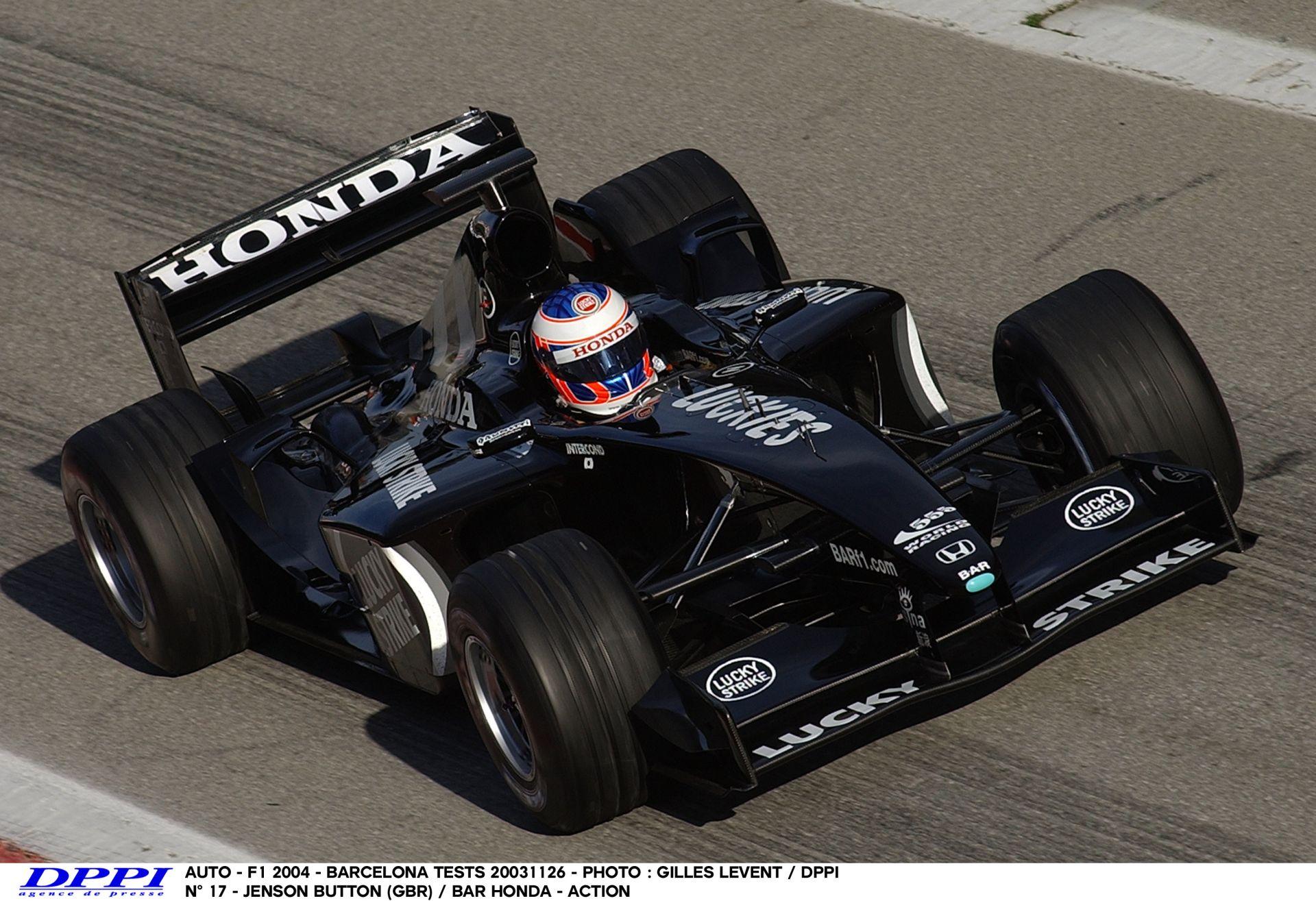 Megvan az időpont, hogy mikor kezdik meg az F1-es téli teszteket a csapatok jövőre