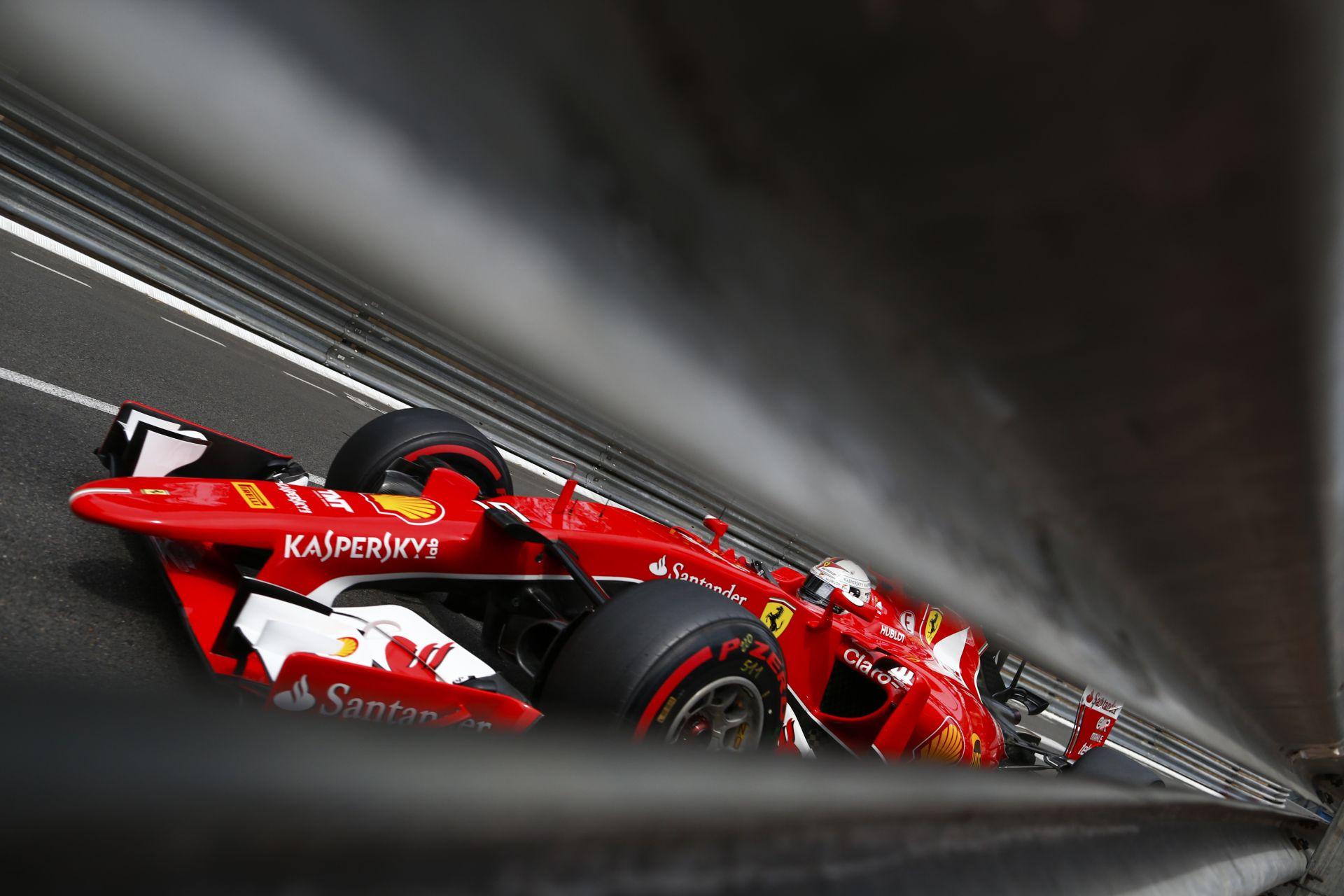 Így cserélt kereket a Ferrari 2.2 másodperc alatt Japánban Vettel autóján