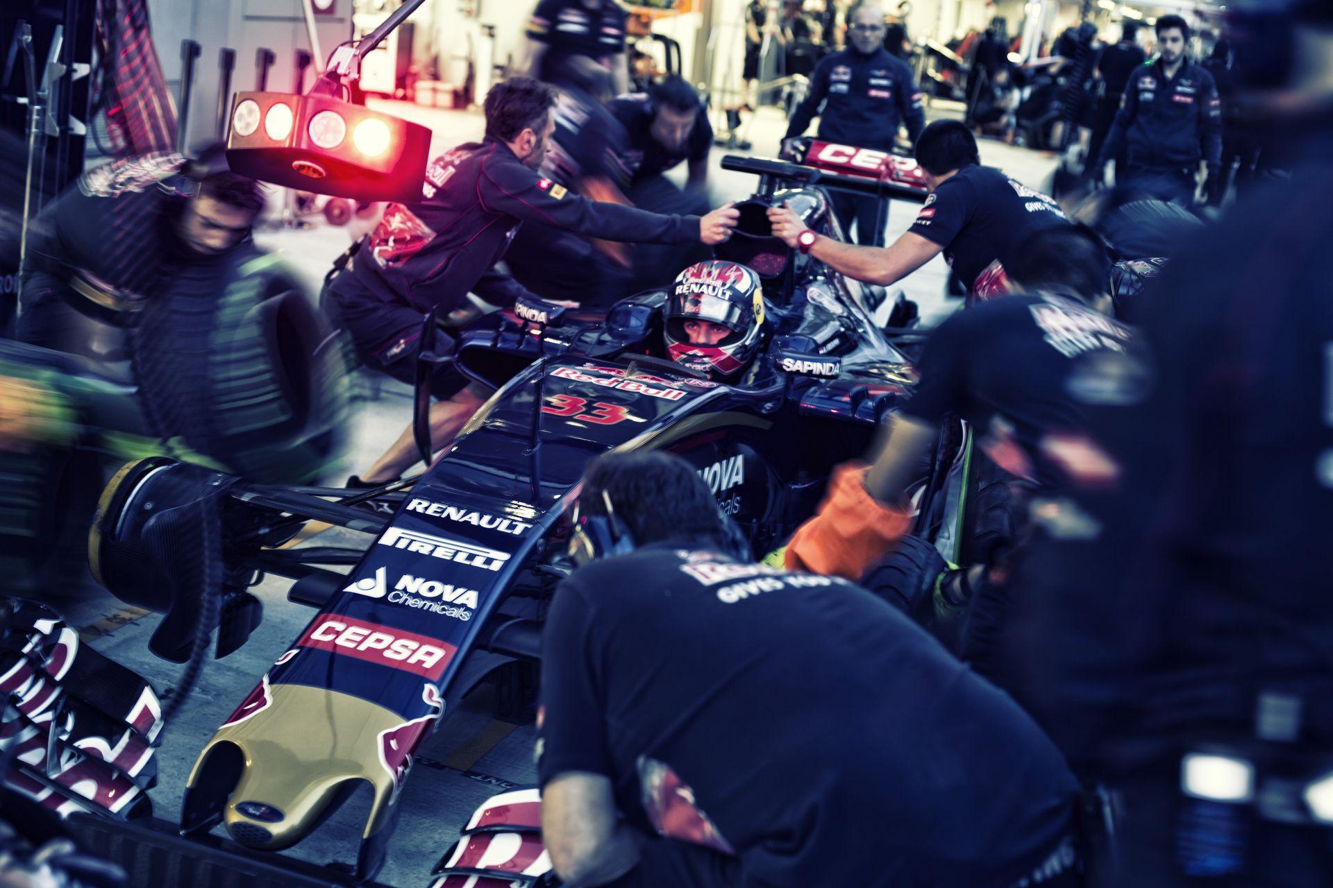 A Red Bull és a Toro Rosso versenyzői nem pánikolnak - bíznak a vezetőségben!