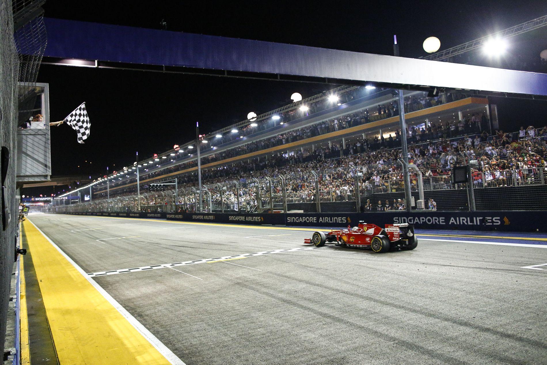 Vettel: 23 kanyar van Szingapúrban, ha én az elsőben vagyok, akkor Schumacher a 23.-ban