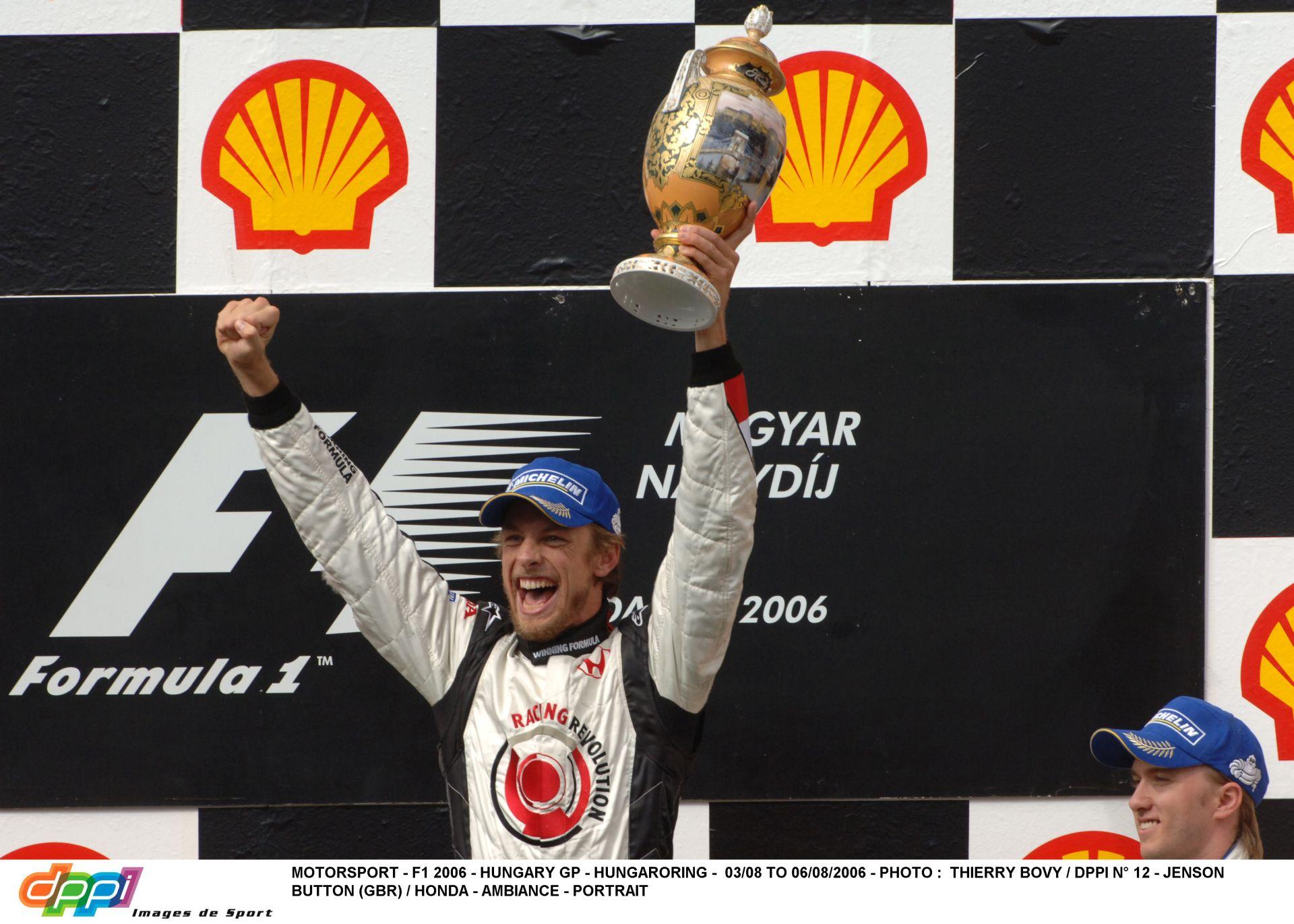 Képgaléria Button élete egyik legboldogabb napjáról: 2006. augusztus 6. – Magyar Nagydíj