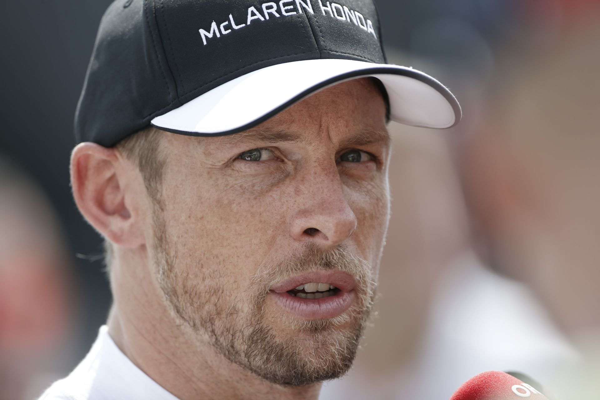 Olasz sajtó: A Belga Nagydíjon bejelentik, hogy Button az év végén távozik! Alonso új csapattársat kap a McLaren-Hondánál