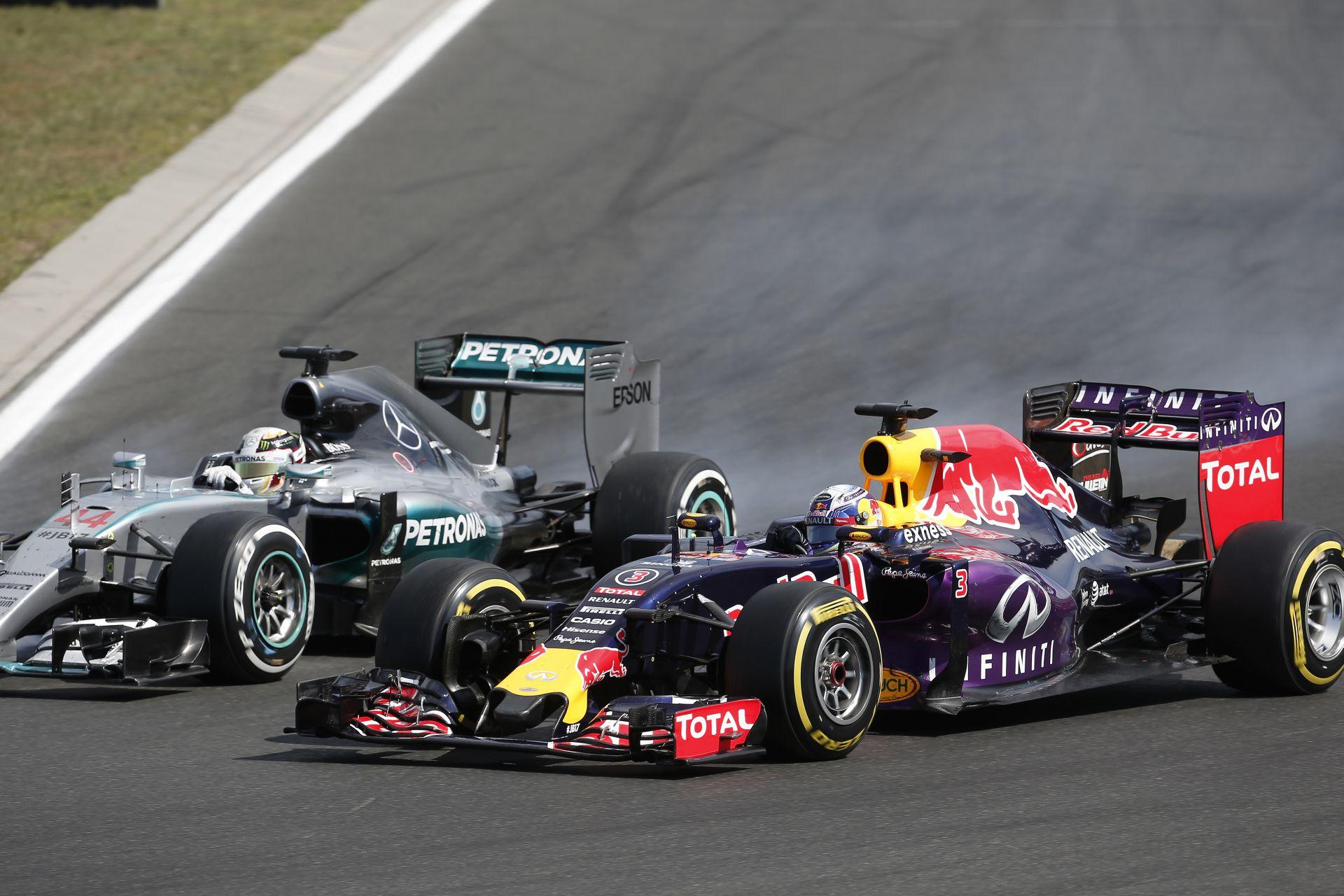 Mercedes: Adnánk is motorokat a Red Bullnak és nem is…