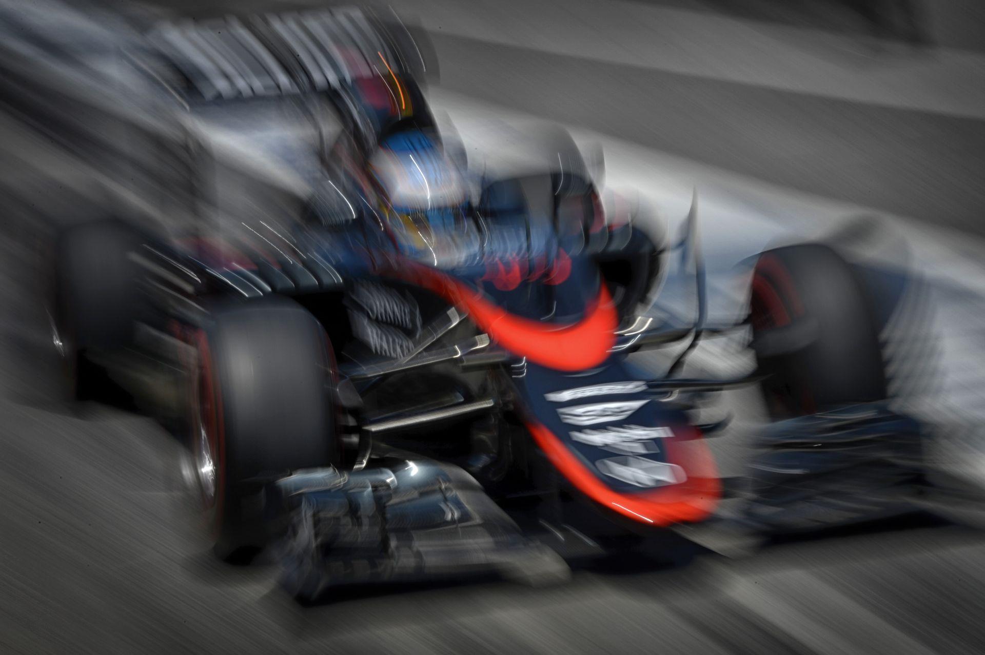 Alonso biztos benne, hogy nem miatta ütközött össze Raikkönennel
