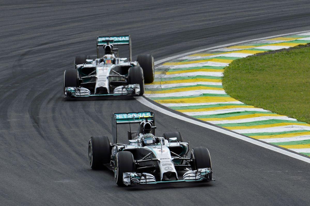 Bárki legyen is a bajnok, megérdemli: persze a dupla pont árnyékot vethet rá, mondja a Mercedes főnöke