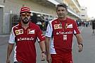 Alonso visszaszólt a Ferrari csapatfőnökének: Folyamatosan szerződést akart hosszabbítani velem, de most már Vettelre van szüksé