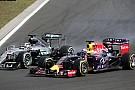 Videón, ahogy Hamilton és Ricciardo összeütközik egymással a Magyar Nagydíjon
