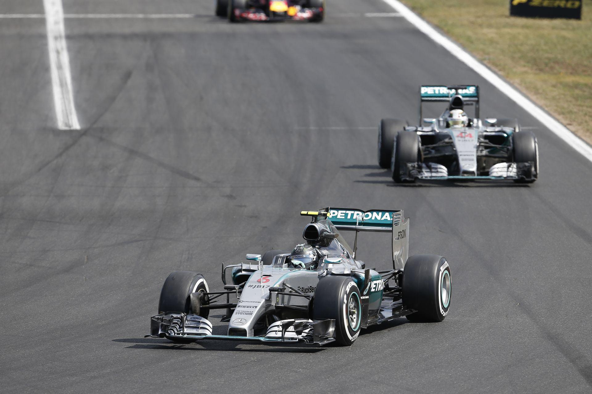Ecclestone személyesen gratulált a Mercedes vereségéhez!