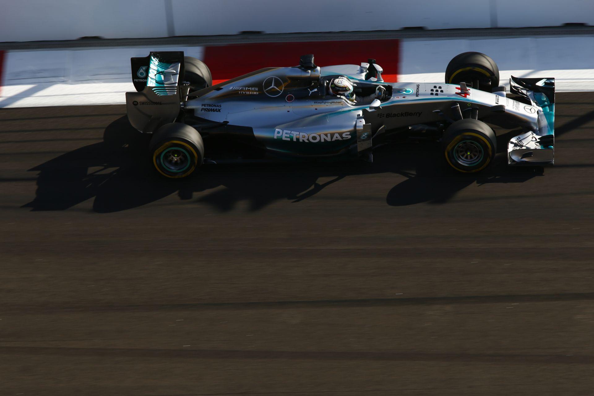 Mercedes: Rossz hatással lenne ránk, ha Hamilton, vagy Rosberg távozna
