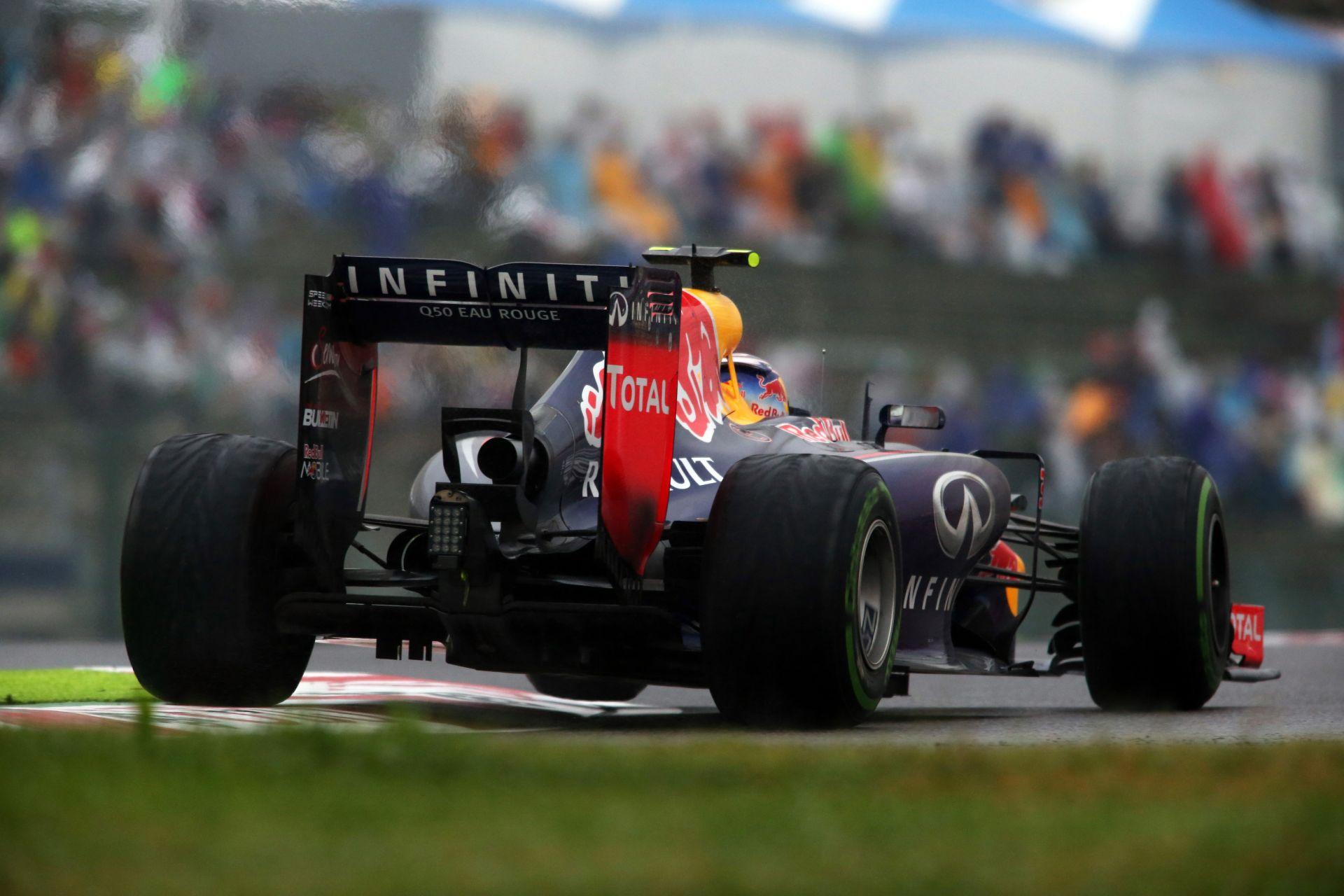 A Red Bull kész harmadik autót indítani jövőre a Forma-1-ben: Egyedi festés, teljes pontszerzés, junior versenyző