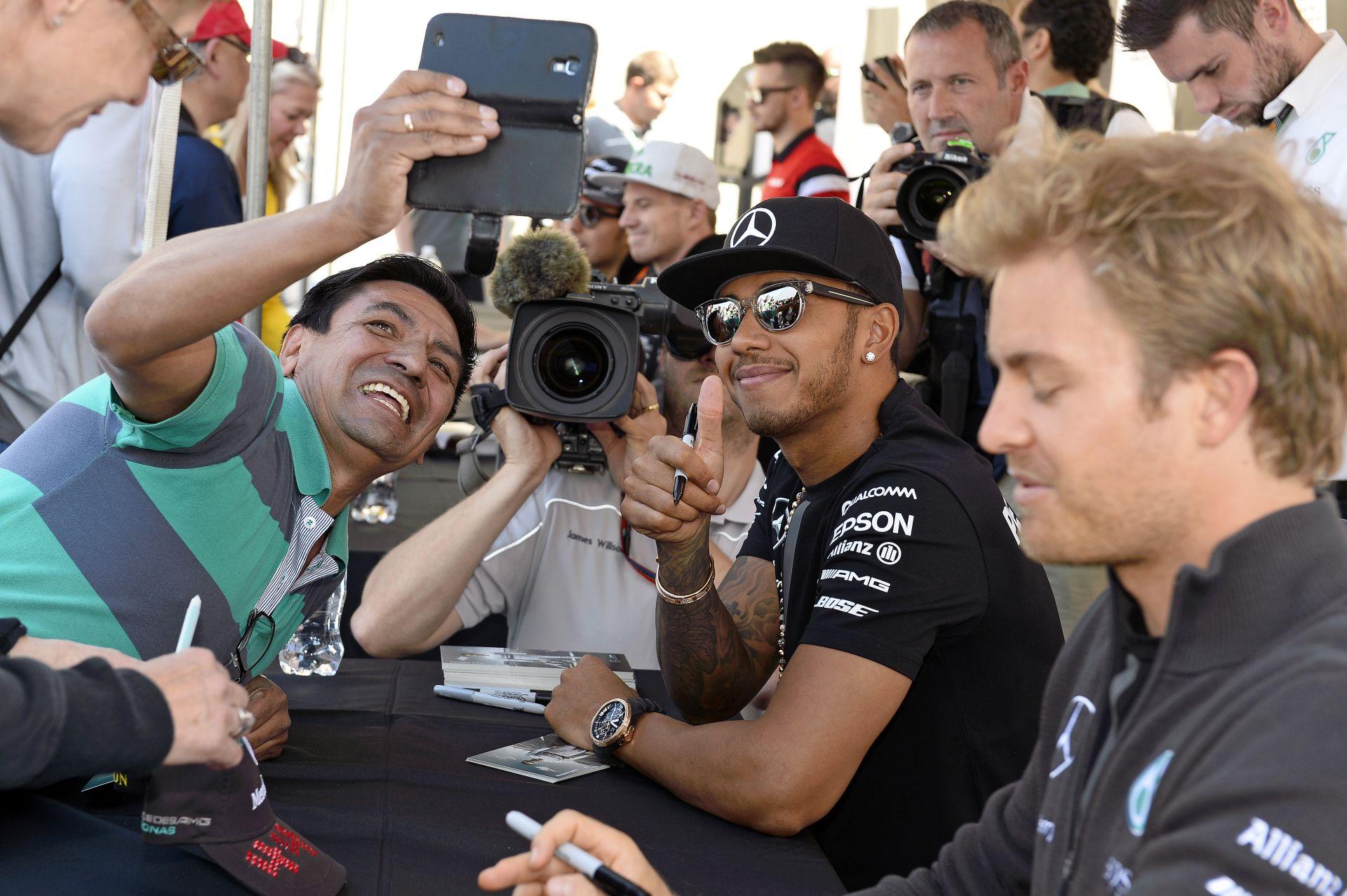 Hamilton boldog, Rosberg kissé dühös, de úgy érzi, nyerhet holnap Kanadában