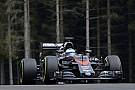 """Alonso """"szétrúgja"""" a McLaren-Hondát"""
