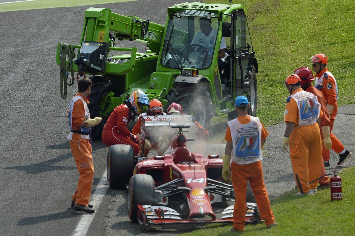 """Veszélyzónában a két Ferrari és """"természetesen"""" Vettel is: az 5. motort használják"""