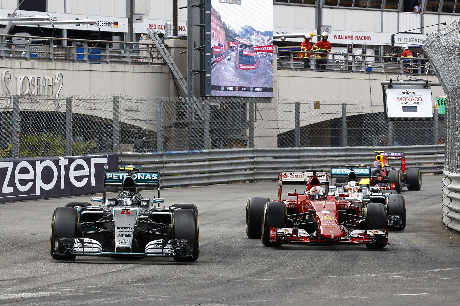 A Ferrari és a Mercedes sem trükközik az olajrendszerrel