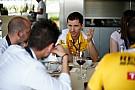 Vettel nem jár panaszkodni a Renault-hoz - 2016 közepén lehetnek a Mercedes szintjén (exkluzív)