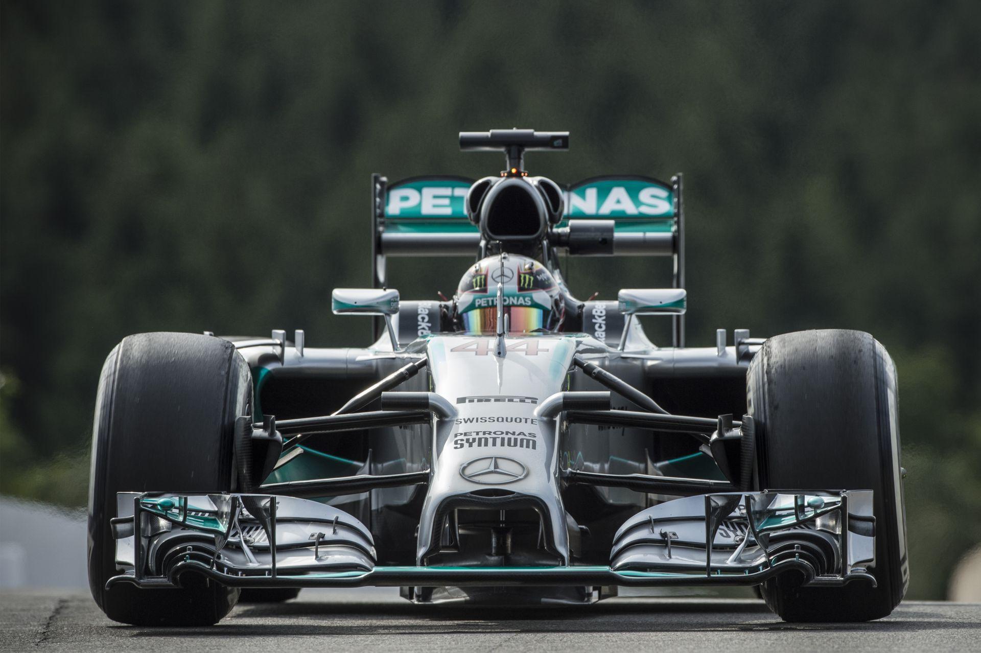 Hamilton: Ha jól meggondolom, jobb ez a második hely, mint a pole
