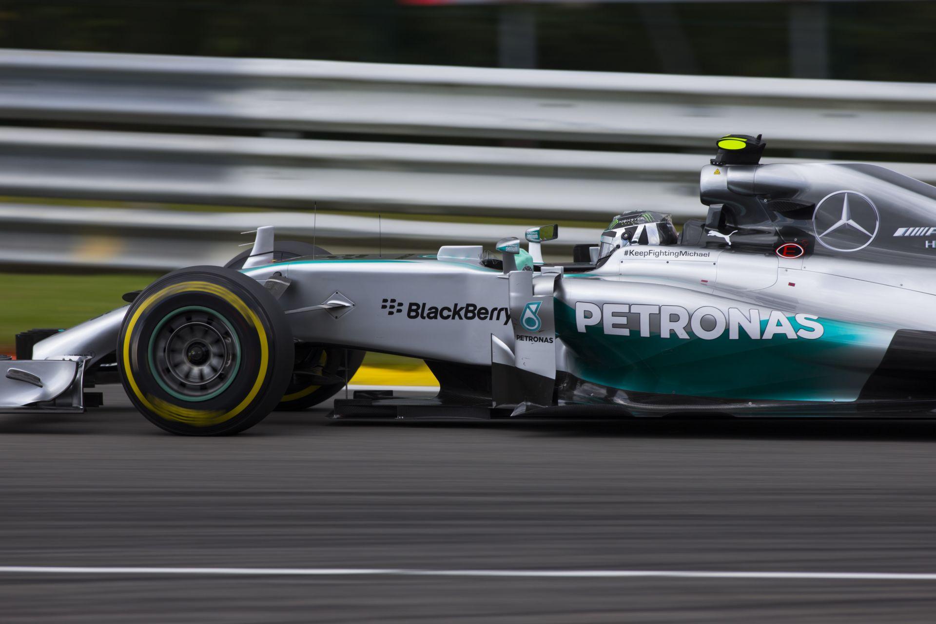 12 futamot követően továbbra is Rosberg áll az élen, közeledik Ricciardo